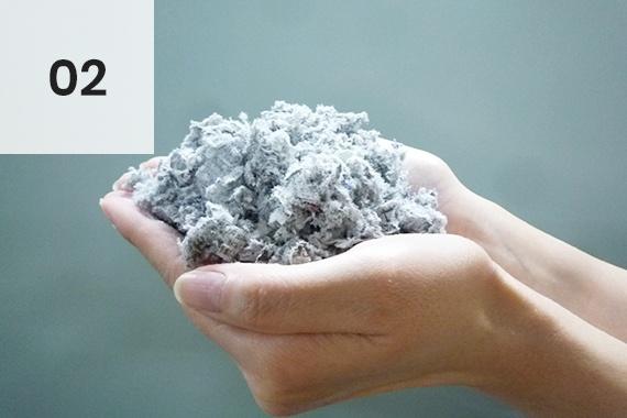 自然素材の断熱材 EMセルロースファイバー