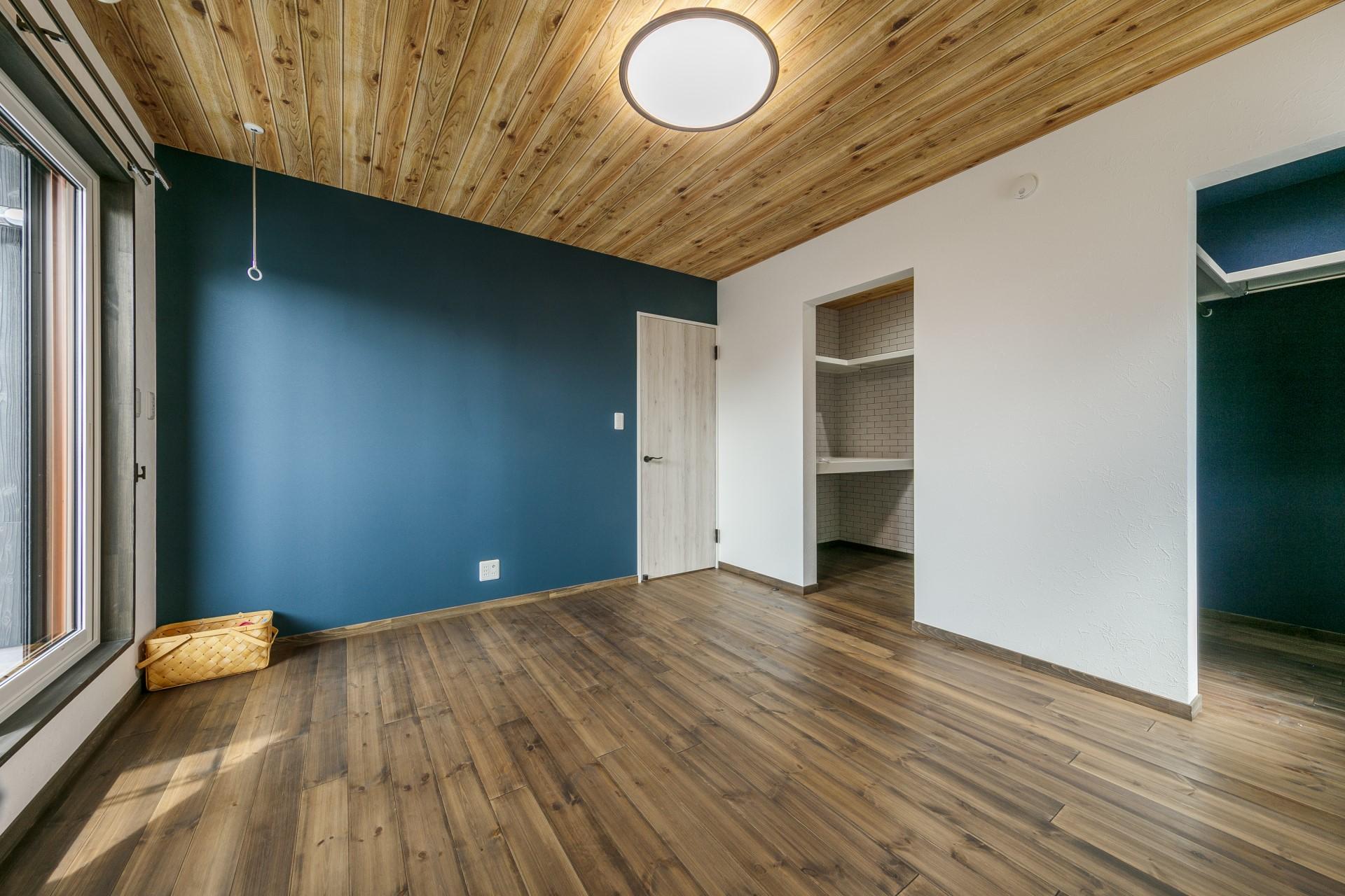 壁紙にこだわったモダンハウス 新築 注文住宅lohasta Homeの施工事例