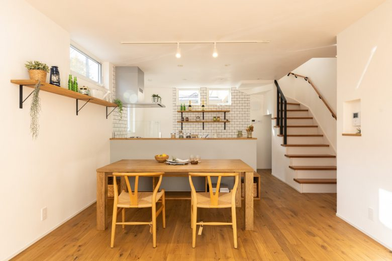 北欧雑貨の似合うカフェ住宅。ワークスペース完備でテレワークにも対応